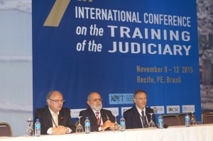 MinistrosJosé Coêlho (STM), Renato Paiva (TST/Enamat) e juiz Paulo Tamburini (Enfam)