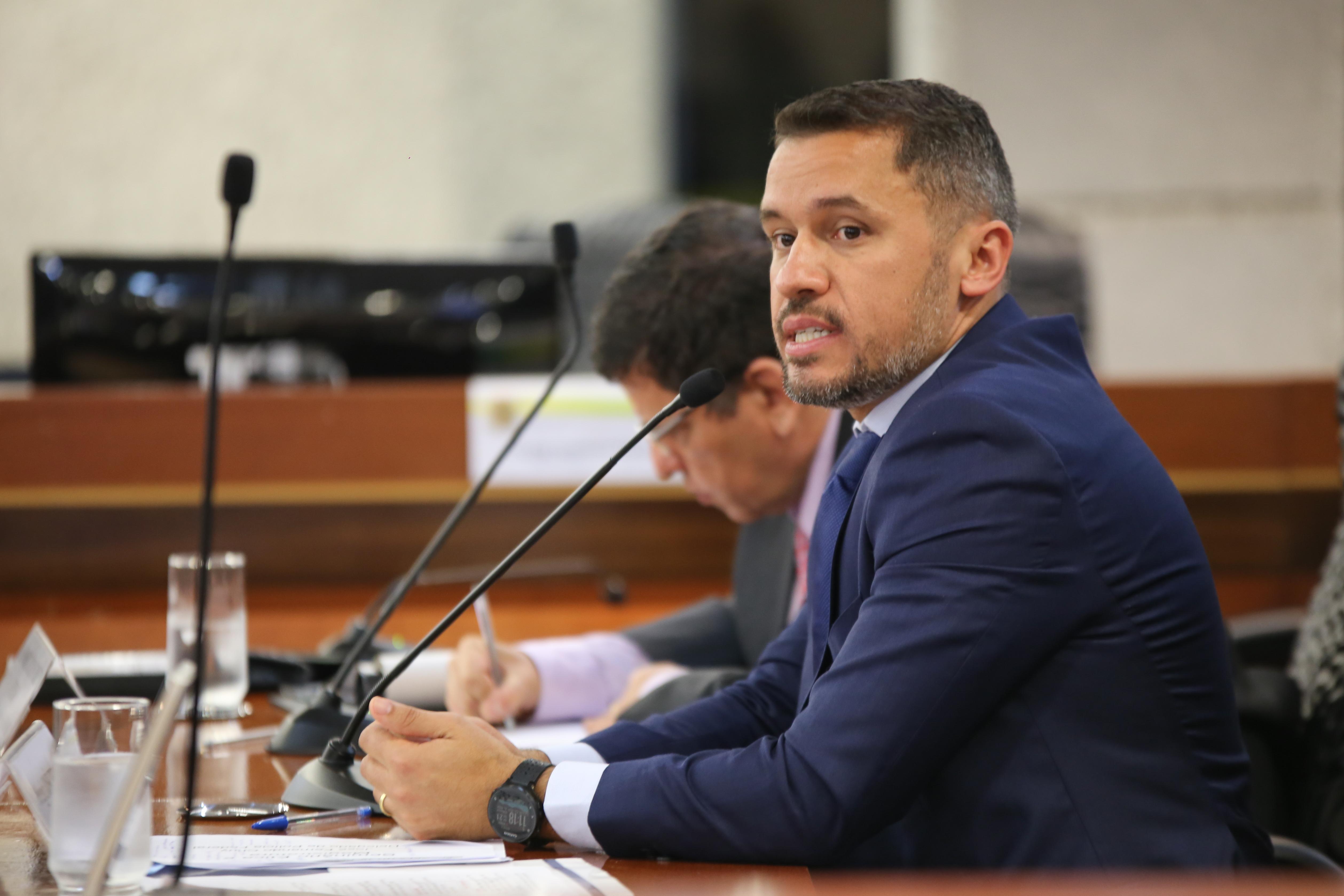 O delegado da Policia Federal José Fernando Moraes Chuy alertou sobre os riscos das redes sociais para a vida e segurança dos magistrados e seus familiares.
