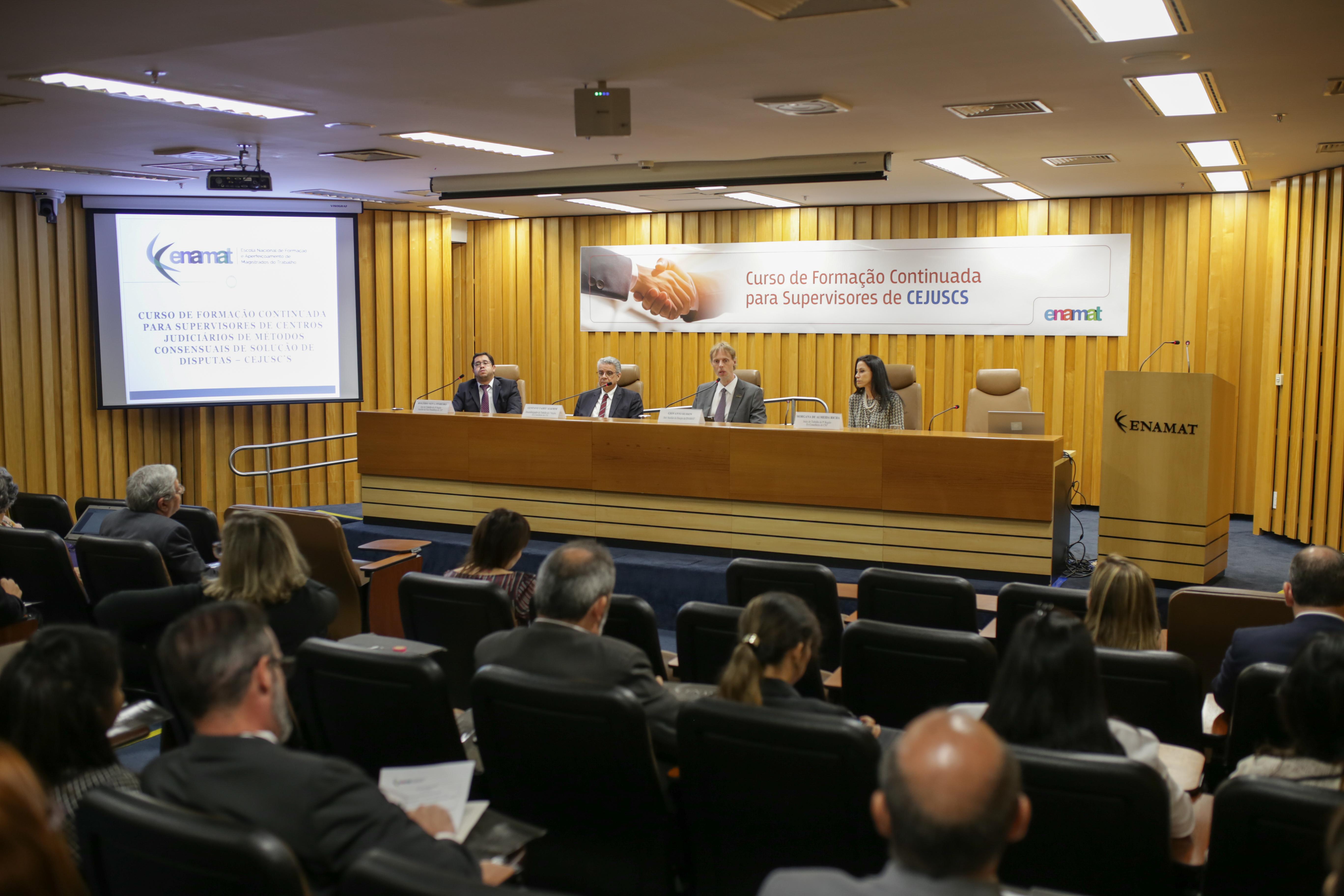 A formação é voltada aos magistrados supervisores dos Centros Judiciários de Métodos Consensuais de Solução de Disputas (CEJUSCs). (Foto: Dimmy Falcão).