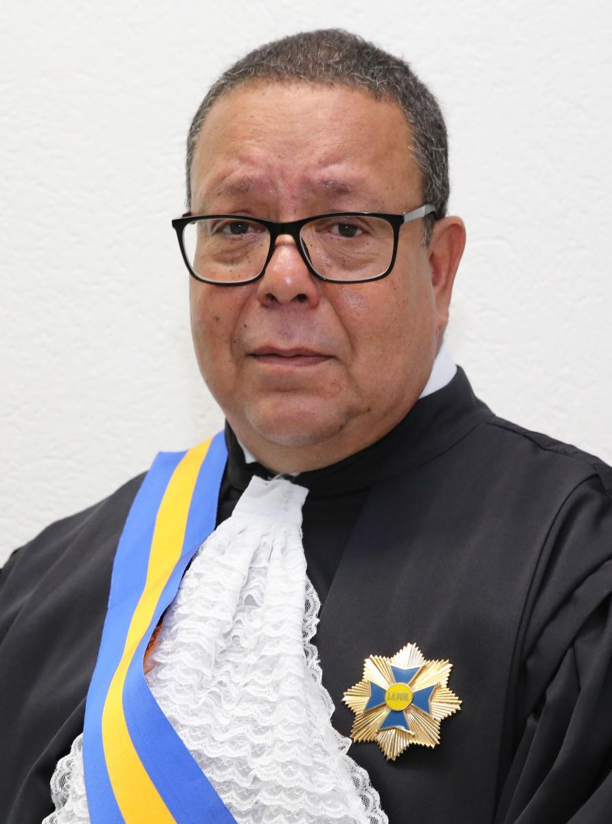 Des Joao Ribeiro